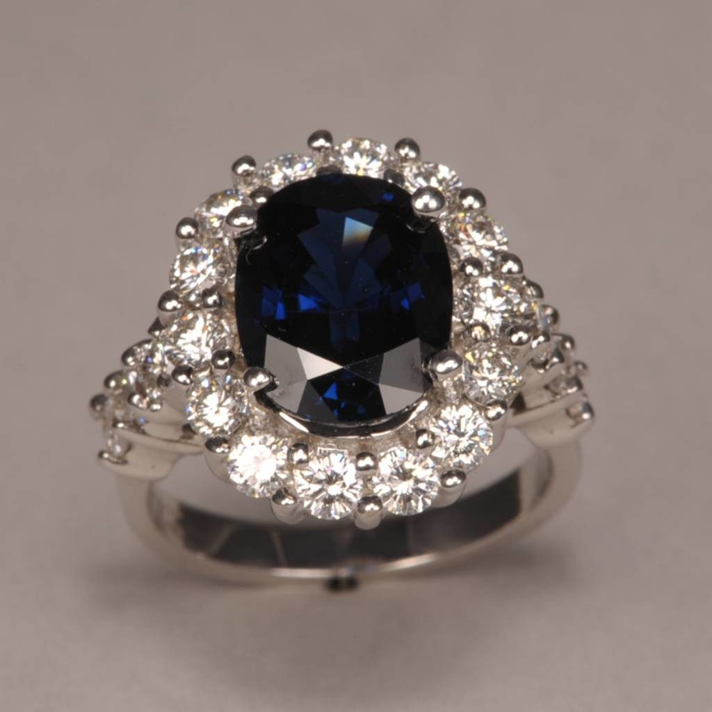 timeless-traditional-royal-blue-sapphire-and-diamo